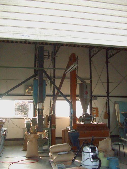 JA加工所の製粉機